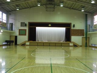 南陽小学校 体育館.jpg
